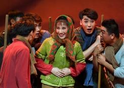 现代京剧《花漫一碗泉》在宁夏上演