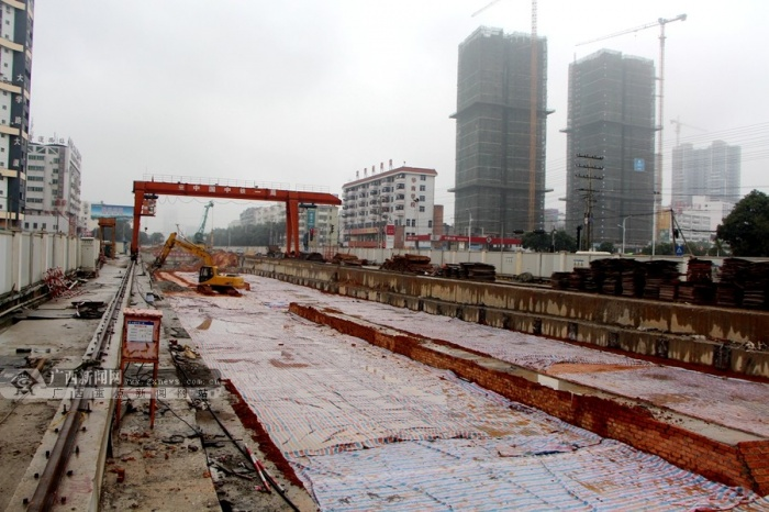 南宁地铁1号线鲁班路站-广西大学站隧道打通(14/14)