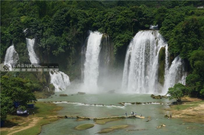 凭祥友谊关,左江风景,花山壁画,明仕田园风光,德天跨国瀑布,一张张