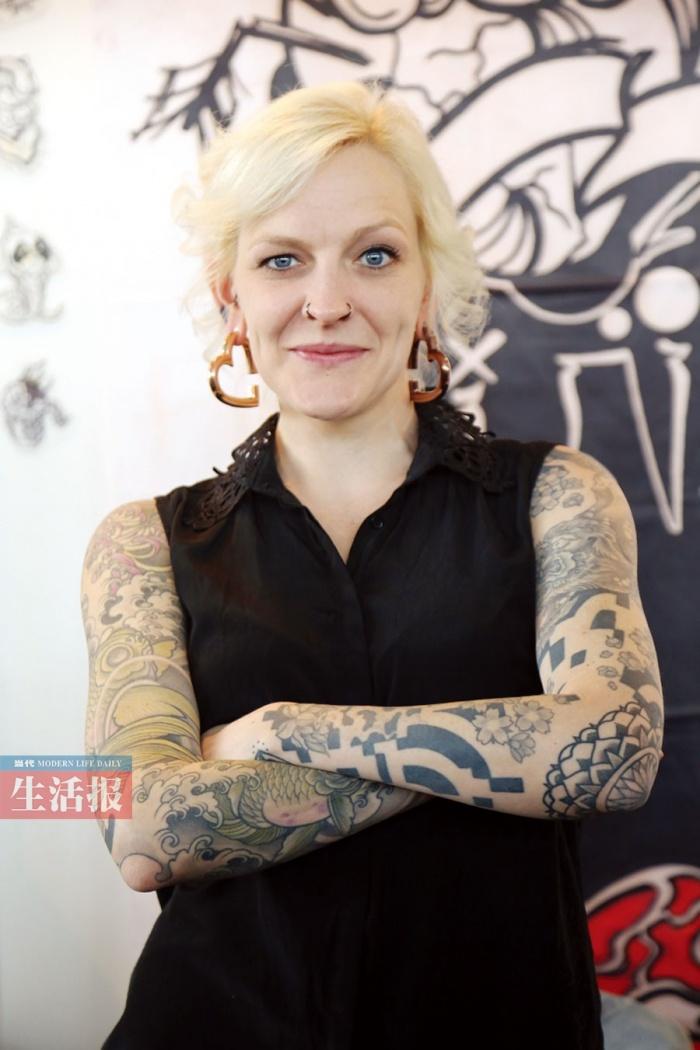 高清:一场纹身秀在南宁上演