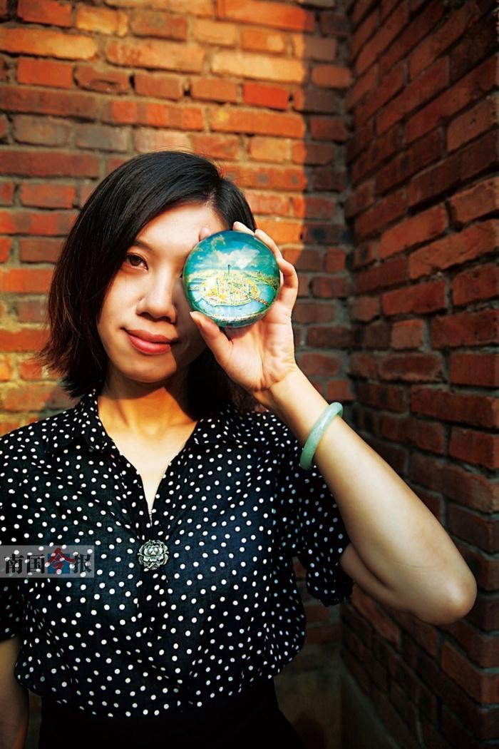 女教师倡导新媒体艺术 手绘柳州靓景新艺渲染情怀