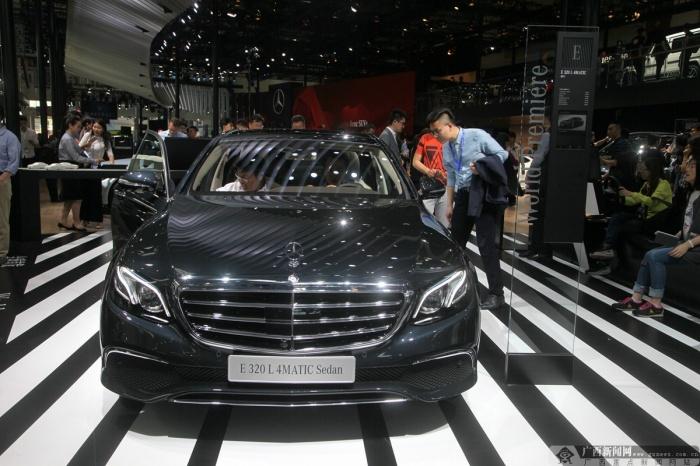 北京车展:全新奔驰长轴距版E320L(图)
