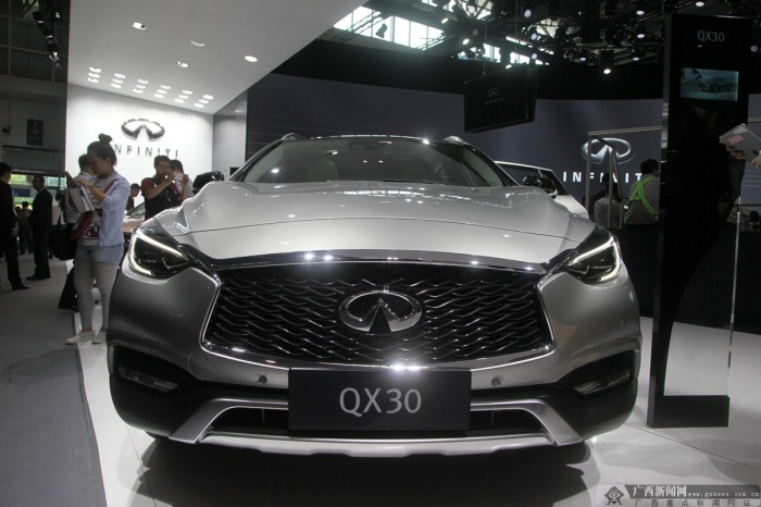 北京车展:英菲尼迪首款紧凑型SUV QX30(组图)
