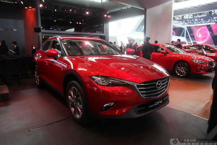 北京车展:马自达轿跑化SUV CX-4亮相(组图)