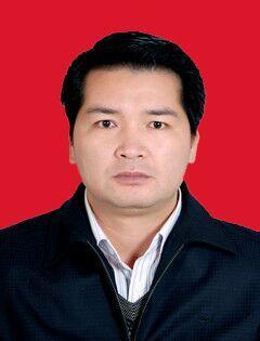 县委副书记、县长:韦萧强