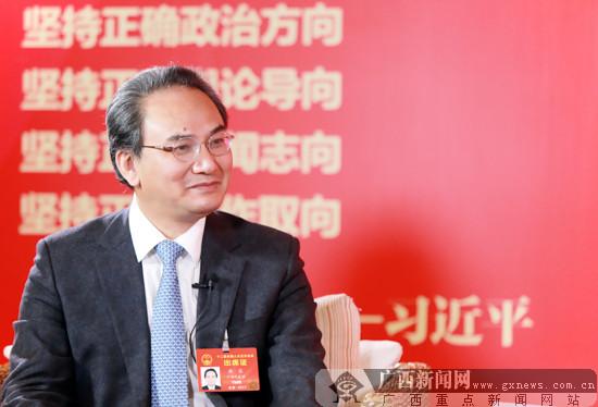 唐农代表:振兴壮瑶医事业 推进医疗价格联动改革