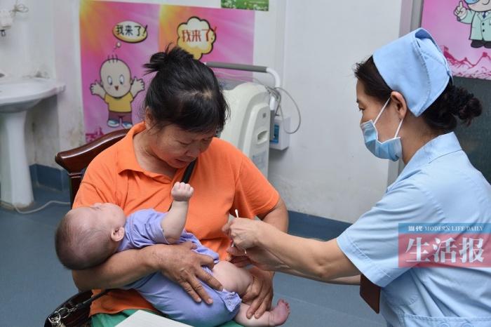 婴幼儿肺炎球菌疫苗在南宁开始接种 费用约3000元