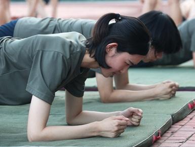 空军第十批女飞行学员顺利转入高教机训练