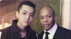 吴亦凡发布与Dr.Dre合影引猜测