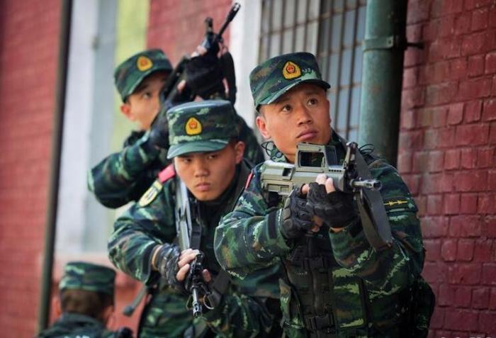 李玉峰:反恐铁拳带兵人