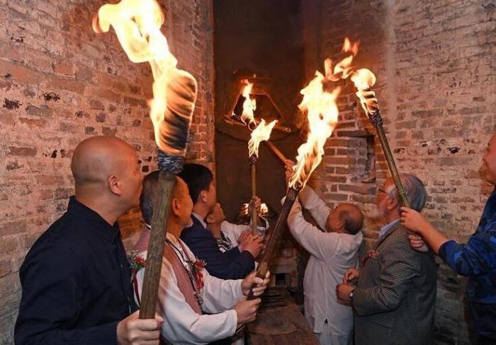 清代镇窑复烧点火仪式