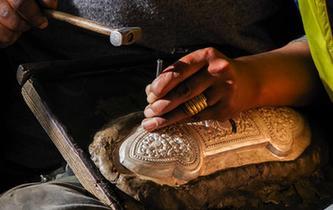 西藏:传统手工业促脱贫
