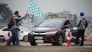 2017中国—东盟汽车拉力赛越南河内举行境外首场比赛