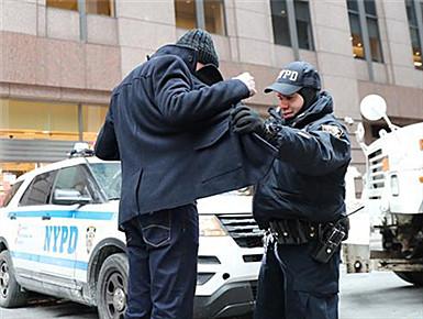 纽约时报广场加强安保迎新年