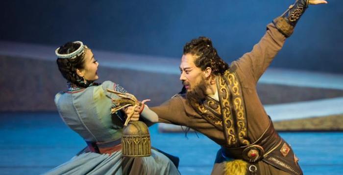 民族舞剧《驼道》在国内首演