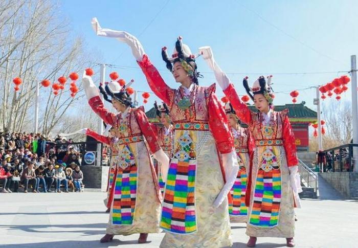 西藏:欢度春节和藏历新年