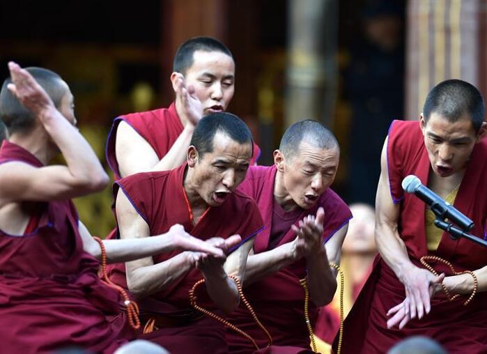 西藏僧人获格西拉让巴学位