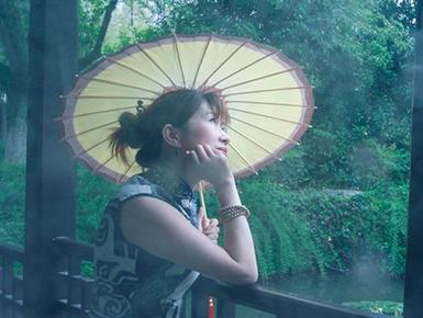 天青色等烟雨 而我在等你