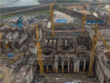 广西大藤峡水利枢纽紧张施工