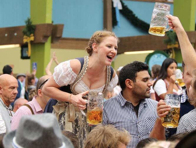 第185届慕尼黑啤酒节开幕