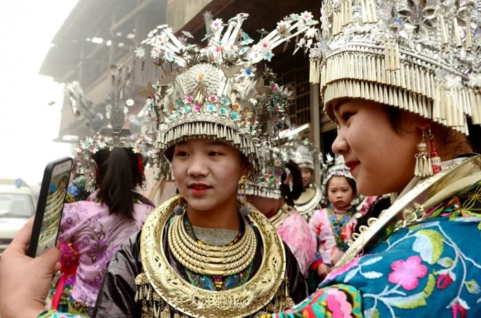 柳州三江:苗寨坡会闹新春(组图)