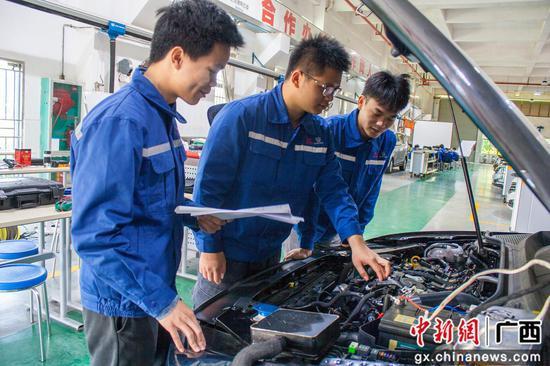 柳州铁道职业技术学院斩获广西区赛18个一等奖