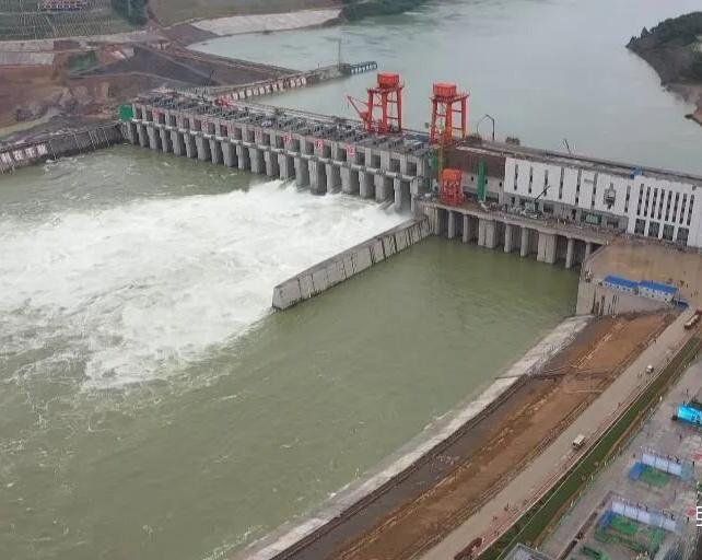 大藤峡水利枢纽工程船闸试通航