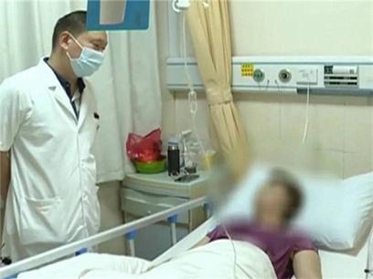 9月22日焦点图:女子健身后吃6斤小龙虾进医院