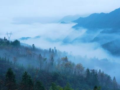 全州:天湖景区雨后云雾缭绕如仙境