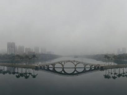 雾锁邕城!南宁人朋友圈变仙境,这大雾原来叫作…