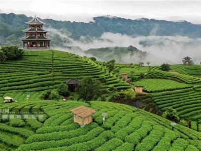 广西三江:雾绕侗乡赛仙境