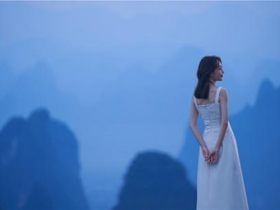 王鸥为家乡壮美广西代言 参与拍摄新博娱乐游戏网址旅游宣传片