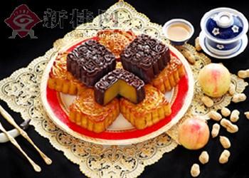 今年南宁月饼难玩 天价 消费者可少吃 包装
