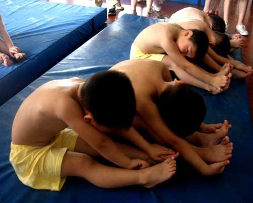 网媒记者走访李小双体操学校:昭示中国体操的未来