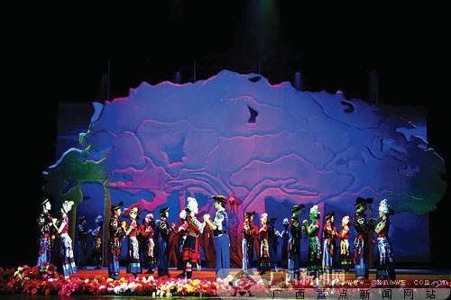 广西民族风情歌舞秀《绣球飞》献礼民歌节