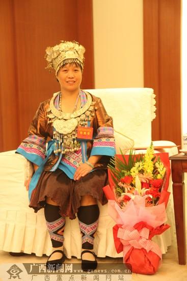杨海英带着前夫改嫁 称如果你不接受我前夫就不嫁