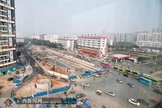 南宁轻轨一号线心圩江站动工 大学鲁班路口将封闭