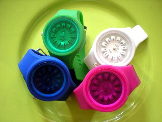 荧光色透明罗盘手表