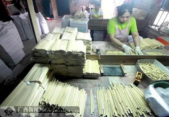 那么筷子的制作工艺让不让人放心呢?