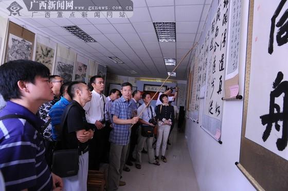 广西文联文艺志愿服务队到大化办书法摄影辅导班