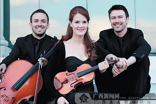 由钢琴家本杰明·科(benjamin kopp),小提琴家埃玛·贾丁