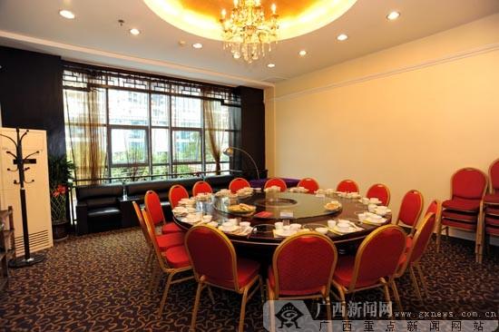 南宁港香美食城