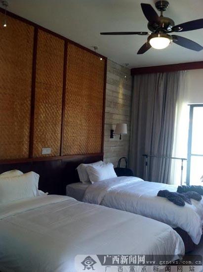 酒店位于热带风情浓郁的涠洲岛旅游风景度假区,周边原生态的热带