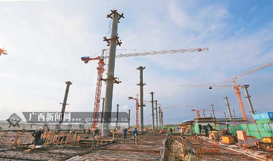 广西实施铁路建设项目25个 打响