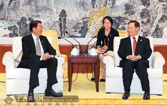 彭清华会见新加坡副总理张志贤