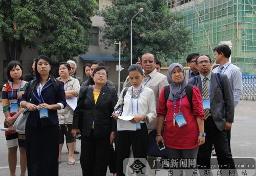 """东盟八国标准化""""观摩团""""聚首南宁交流""""取经"""""""