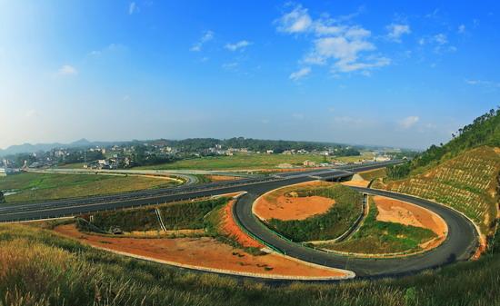广西玉林至铁山港高速公路