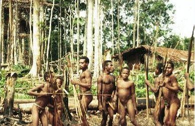 怪异的非洲科玛人 男人放屁光荣女人树叶遮体