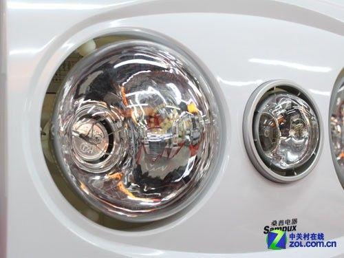 内部排风扇采用35瓦优质滚轴电机