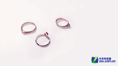 iddot;戴明素描画出戒指